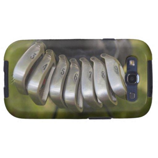 Cabezas de club de golf en un bolso. Tres a nueve Galaxy S3 Cobertura