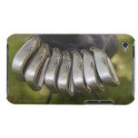 Cabezas de club de golf en un bolso. Tres a nueve iPod Touch Case-Mate Funda