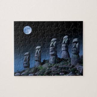 Cabezas de la isla de pascua puzzle con fotos