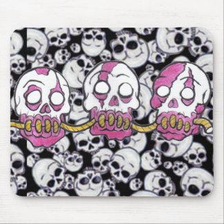 Cabezas del zombi dibujadas juntas tapete de ratón