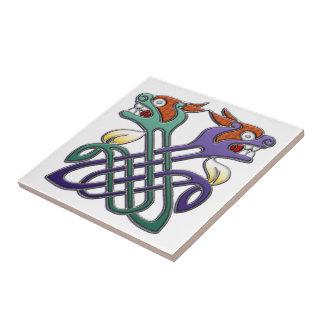 Cabezas partidas del diseño céltico azulejo cuadrado pequeño