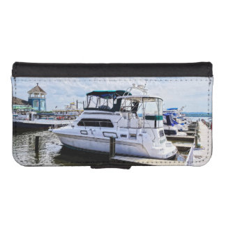 Cabin Cruisers by Founders Park Alexandria VA iPhone 5 Wallets