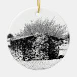 Cabina de piedra en blanco y negro ornamentos para reyes magos