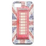 Cabina de teléfono roja británica en el fondo de U iPhone 5 Protector