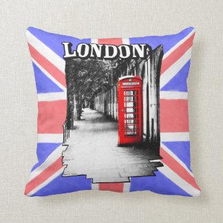 Cabina de teléfonos roja británica de Londres Almohada