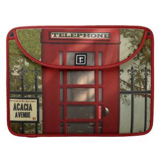 Cabina de teléfonos roja británica del vintage funda para macbooks