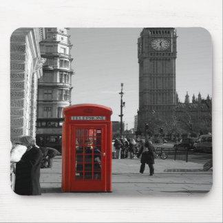 Cabina de teléfonos roja de B/W Londres Mousepad