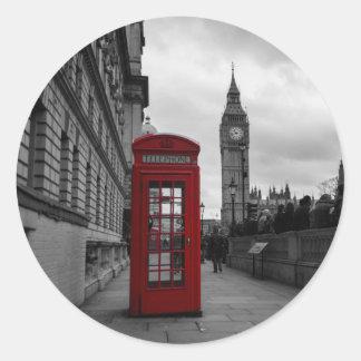 Cabina de teléfonos roja en el pegatina de Londres