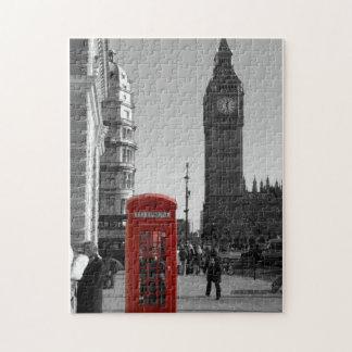 Cabina de teléfonos roja en el rompecabezas de Lon
