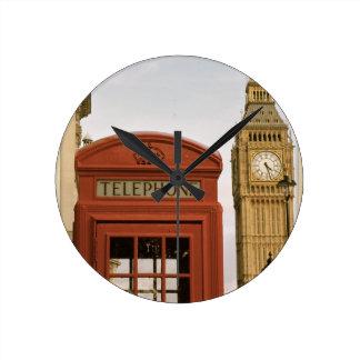 Cabina de teléfonos y torre de Big Ben Relojes