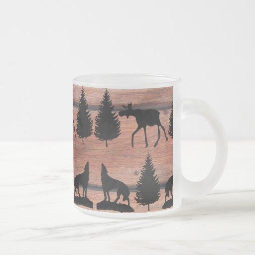 Cabina salvaje de la montaña del desierto del lobo taza de café esmerilada
