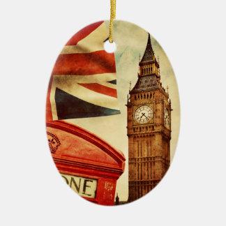 Cabina y Big Ben de teléfono roja en Londres, Adorno Navideño Ovalado De Cerámica