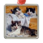 Cabinet cat metal ornament
