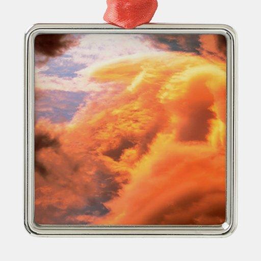 Cabo de las nubes adorno navideño cuadrado de metal