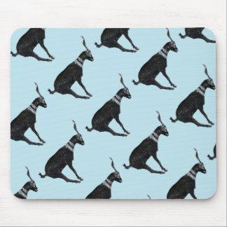 Cabra afortunada alfombrillas de raton