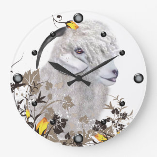Cabra del angora que pinta el reloj de pared