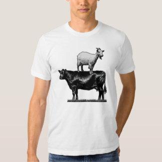 Cabra en la camiseta de la vaca playeras
