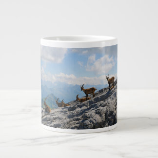 Cabras de montaña salvajes del cabra montés alpino taza jumbo