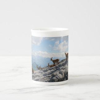 Cabras de montaña salvajes del cabra montés alpino tazas de porcelana