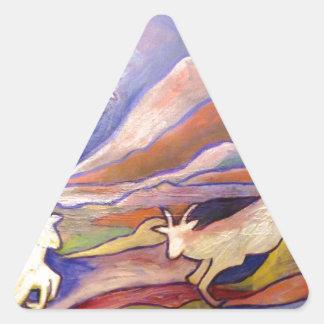 Cabras y montañas pegatina triangular