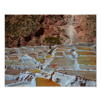 Cacerolas de la sal en Maras, Perú Póster