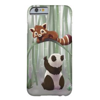 Cachorro de la panda roja y de oso de panda funda de iPhone 6 slim