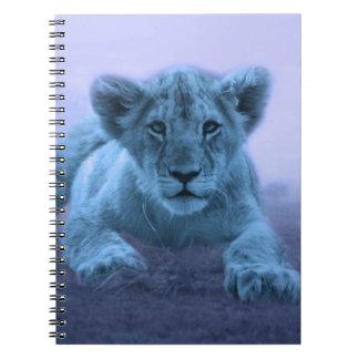 Cachorro de león lindo del bebé libreta espiral