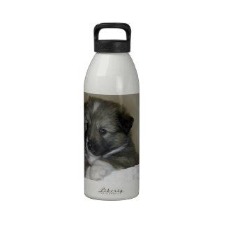 Cachorro de perro de islandia botella de agua reutilizable