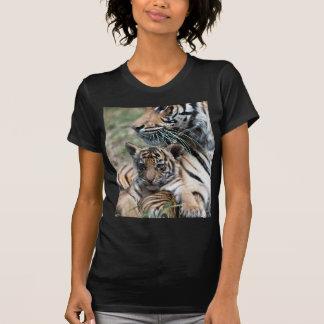 Cachorro de tigre camiseta