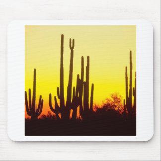 Cactus Arizona del Saguaro de la puesta del sol Alfombrillas De Ratones