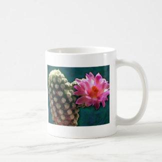 Cactus con la floración Sunlit rosada Taza De Café