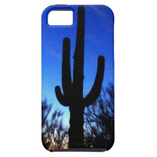 Cactus del Saguaro de Arizona en el caso fresco de iPhone 5 Case-Mate Cobertura