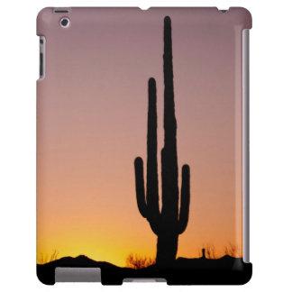 Cactus del Saguaro en la puesta del sol Funda Para iPad
