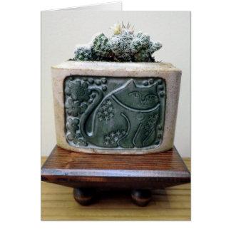 Cactus en envase del gatito por la planta perfecta tarjeta pequeña