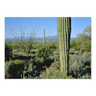 """Cactus jovenes del Saguaro, flores florecientes Invitación 5"""" X 7"""""""