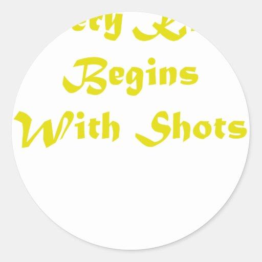 Cada beso comienza con los tiros pegatina redonda