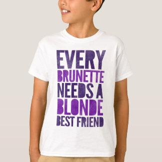 Cada Brunette necesita a un Blonde Playera