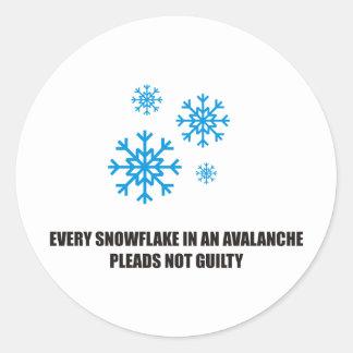 Cada copo de nieve en una avalancha aboga por no pegatina redonda