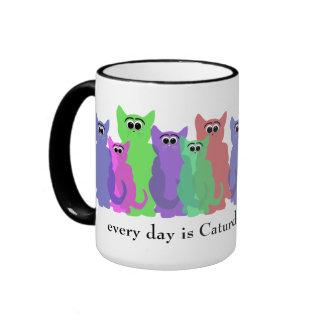 Cada día es Caturday (los gatos del arco iris) Taza De Dos Colores