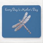 Cada día es el día de madre, libélula de plata, az alfombrillas de ratón