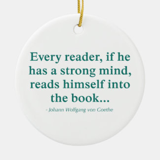 Cada lector se lee en el libro adorno redondo de cerámica