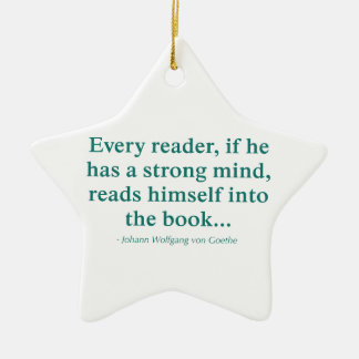 Cada lector se lee en el libro adorno de cerámica en forma de estrella