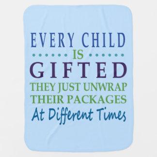 Cada niño autístico es dotado mantas de bebé