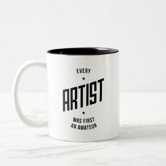 Cada taza inspirada del artista