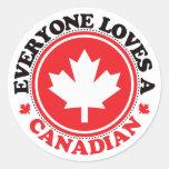 ¡Cada uno ama a un canadiense! Pegatina Redonda