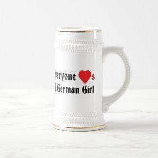 Cada uno ama a un chica alemán jarra de cerveza