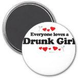 Cada uno ama a un chica borracho imán de frigorifico