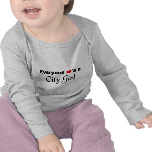 Cada uno ama a un chica de la ciudad camisetas