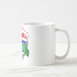 Cada uno ama a un chica gambiano taza de café
