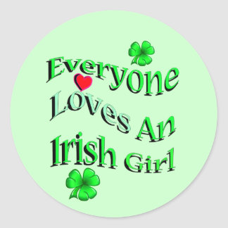 Cada uno ama a un chica irlandés pegatina redonda